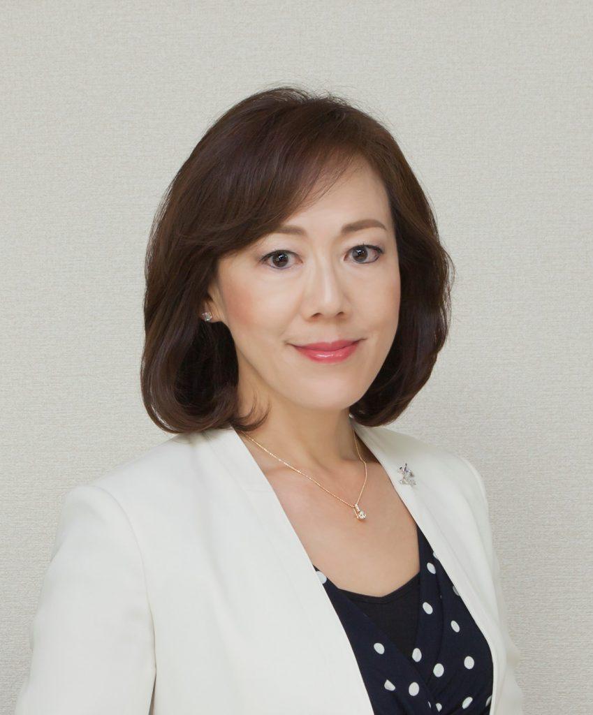 三雲 孝江 | 花咲く同窓生 – 捜真女学校同窓会